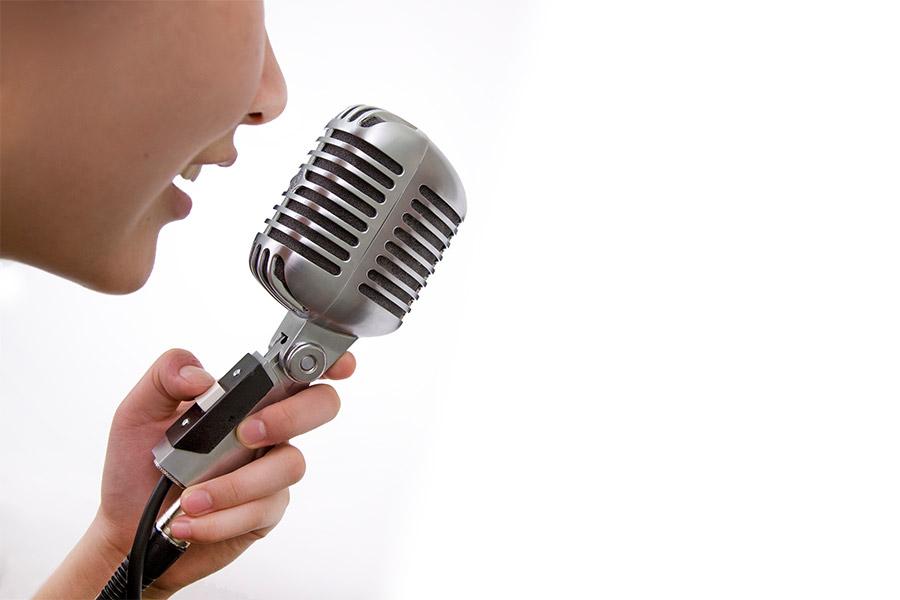 Jak powstają reklamy radiowe?